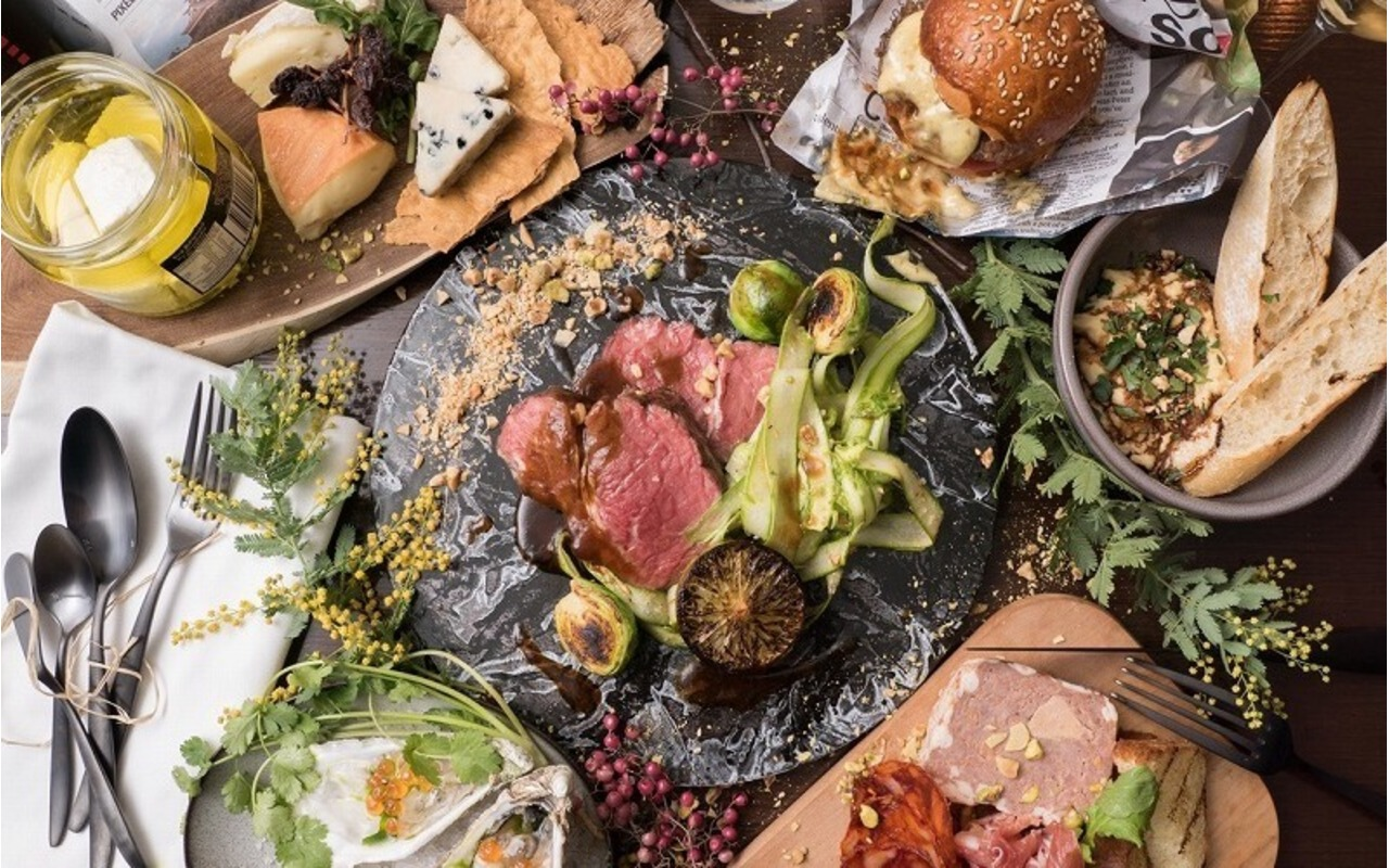 Salt grill & tapas bar